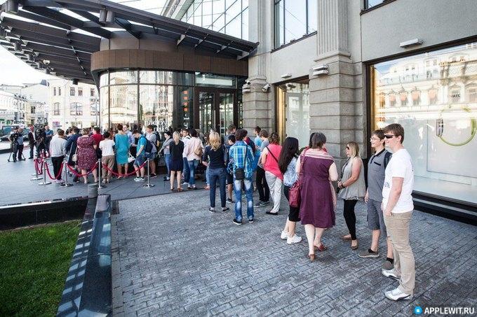 В России начались продажи Apple Watch