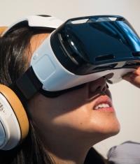 Apple ищет специалиста в области виртуальной реальности