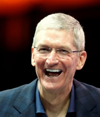 Акции Apple достигли рекордной отметки $120