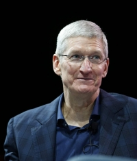 Инвесторы Apple проверяют Тима Кука на прочность