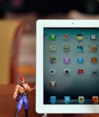 Apple наняли создателя «вечного» Джейлбрейка