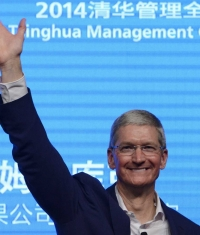 Apple заработала столько, что может купить своих конкурентов