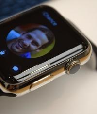 Статистика: один из десяти человек не покупает Apple Watch после их примерки