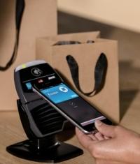 В 2015 году Visa введет Apple Pay в Европе