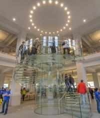 Apple подали в суд на Samsung за плагиат технологий (в Нидерландах)