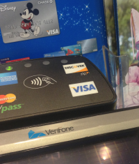 В точках Apple Store установили NFC-терминалы