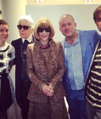 На неделю моды в Париж привезли Apple Watch (фото)
