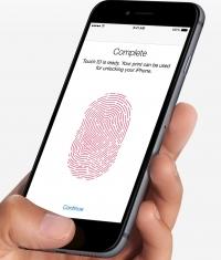 Данные в iPhone 6, которые защищены сканером Touch ID, охраняются не надежно