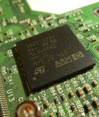 В ближайшее время могут появится Mac с процессорами ARM (собственного производства Apple)