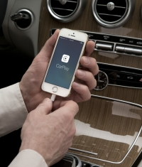Выход моделей Mercedes-Benz и Volvo с функцией CarPlay переносится