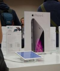Цены на iPad и iPhone в России стали ниже