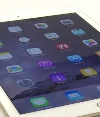 Продажи iPad стремительно падают
