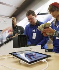 Тим Кук не переживает из-за падения продаж iPad