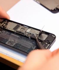 Сборка новых iPhone 6 начнется в мае