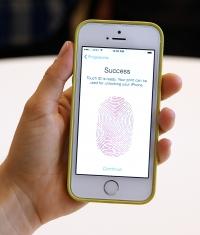 Apple может интегрировать Touch ID в дисплей