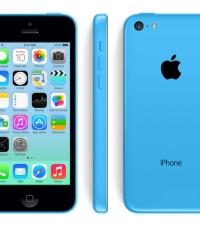 Российские ритейлеры снизили цены на iPhone 5с на 20%