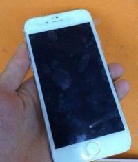 Тайванец продемонстрировал новый iPhone 6 с завода Foxconn