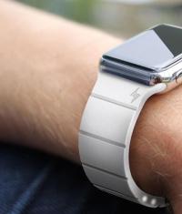 Apple Watch быстрее заряжаются через сервисный разъем (Видео)