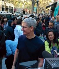 Apple продала первую партию Apple Watch менее чем за 6 часов