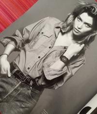 На страницах Vogue Paris прорекламировали Apple Watch