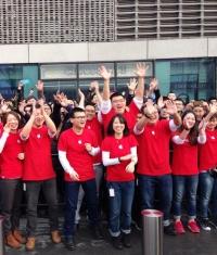 Открытие нового Apple Store в Китае собрало тысячи поклонников